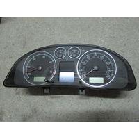 104585C Volkswagen Passat B5 щиток приборов 3B0920927a