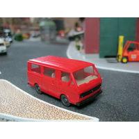 Модель микроавтобуса Volkswagen LT-28(wiking). Масштаб НО-1:87.