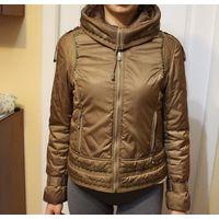 Куртка весенняя 42-44 фирменная шоколадного цвета