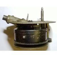 Механизм патефона ПТ-3 без пружины
