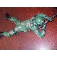 Игрушка мобильная солдат