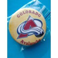 """Значок с Логотипом Хоккейного Клуба НХЛ - """"Колорадо Эвеланш""""."""