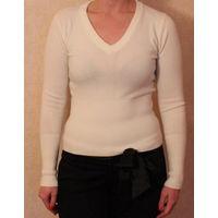Пуловер белого цвета. размер 42-44