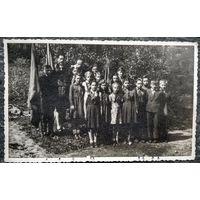 Пионерский отряд 6 класса. Дети советских военных в Германии. 1949 г. 8.5х14 см.