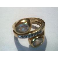 Кольцо на пальчик с камнями и стразами