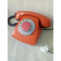 Телефон дисковый стационарный рабочий ретро винтаж нарядного цвета СССР