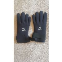 Перчатки для подводного плавания