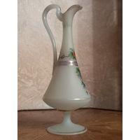 Кувшин молочное стекло .19 век. Богемия.
