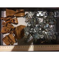 Крепления запчасти металлические 50 шт, пластиковые 12 шт все вместе