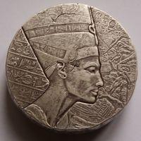 """Чад 2017 серебро (5 oz) """"Египетские реликвии. Нефертити"""" (box)"""
