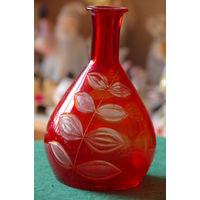 Графин красное стекло  16 см