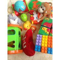 Детские развивающие игрушки на возраст 10-24 месяцев.
