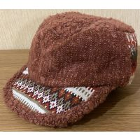 Женская шапка-кепка