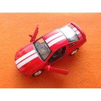 """Ford Mustang GT 2006 1/38 """"KINSMART"""""""