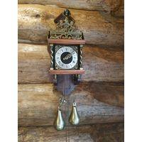Настенные часы с гирями и боем Голландия 70-е года ХХ века Рабочие Обслужены!