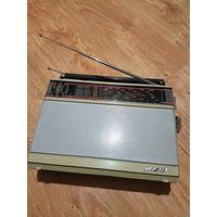 Радиоприёмник ,,VEF-317'' СССР 1988г.