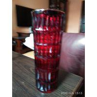 Старая ваза красное стекло под цветы СССР.