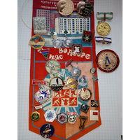 Коллекция значков с рубля!