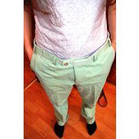 Для стильного парня. Салатовые импортные брюки