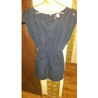 Женское летнее платье темно- синего цвета.40-42 размер. 155/76А. Фирма DIVIDOD
