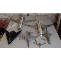 -Парк моделей самолетов и частей от них-