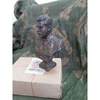 Бюст Сталин Иосиф Виссарионович Джугашвили. Бронза, высота 12.5 см