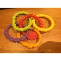 Кольца держатели для игрушек, пластик. За все 5,00
