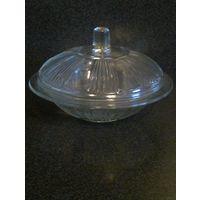 Стеклянная бонбоньерка, конфетница или маслёнка