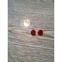 Винтажные круглые клипсы с красным камнем