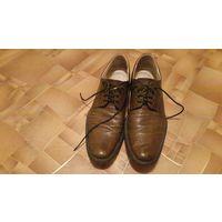 Шикарные туфли  41 размера