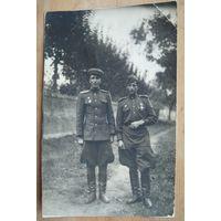 Два воина Советской Армии с наградами. Фото 1945 г. 8х13 см