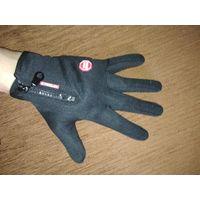 Водонепроницаемые перчатки для работы  с сенсорным экраном ( размер М )