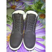 Женские  зимние ботинки. 35 размер.