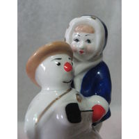 Статуэтка. Девочка лепит снеговика!Городница! С рубля!