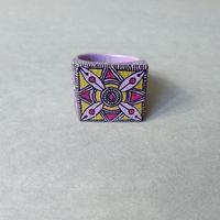 Кольцо деревянное ручной работы Фиолетовый орнамент