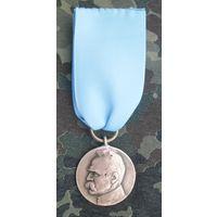 """Медаль """"10 лет независимости 1918-1928 г."""" Польша начало прошлого века. Бронза. С  лентой."""