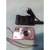 Цифровик FUJIFILM с зарядным устройством