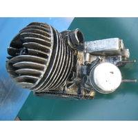 """Почти комплектный  двигунок  от """"Рига""""-Д-8М. состояние  см.  на  фото."""