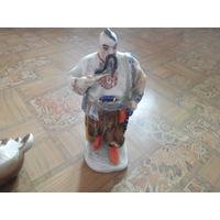 Фарфоровая статуэтка. козак. тарас бульба