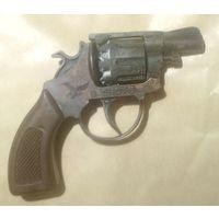 Револьвер (пистонный)