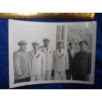 Адмиралы и генералы