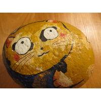 Сувенир расписной камень в виде котика