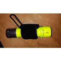 Подводный фонарь, фонарик на cree xm-l T6 led, светло-желтый корпус, свет белый, луч хороший яркий, работает на батареях типа ААА или 18650, функции свет-полусвет-стробоскоп, переключение попеременным