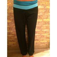 Фирменные спортивные штаны на 42-44 размер Отлично тянутся, немного бу, длина 104 см, талия около 40 см обмен не интересует