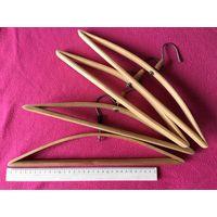 Вешалки плечики детские деревянные лакированные СССР 4 шт вместе длинна ОК 33 см