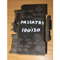 100130 Vw Passat B4 опора лампы  VAG 3A9 945 259