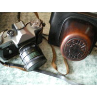 "Фотоаппарат ""ЗЕНИТ Е"" с Гелиос 44-2. Торг."
