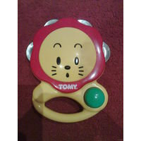 Музыкальная погремушка-бубен TOMY