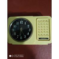 Часы с мелодией механические рабочие в хорошем состоянии