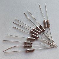 1 Ампер ((цена за 20 штук)) Предохранитель выводной керамический. Вставка плавкая с выводами, с ногами. Керамика. 1А. 1a. А. a.